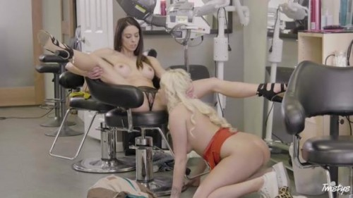 Mom Knows Best – Daisy Lee And Eva Long