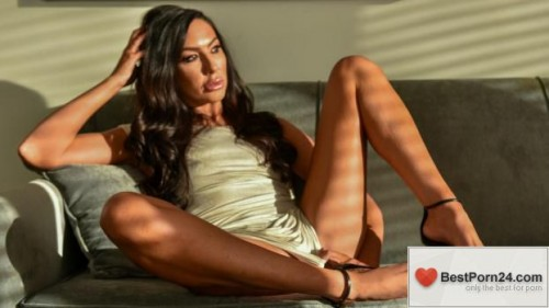 Love Her Feet - Tiffany Brooks