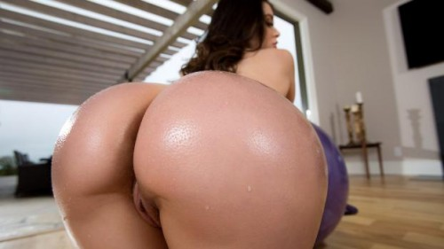 Big Wet Butts – Lana Rhoades