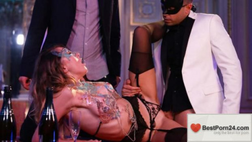 Dorcel Club - Exhibitionists Games