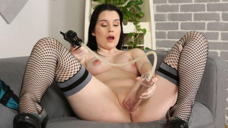 Wet And Puffy – Sweet Angelina