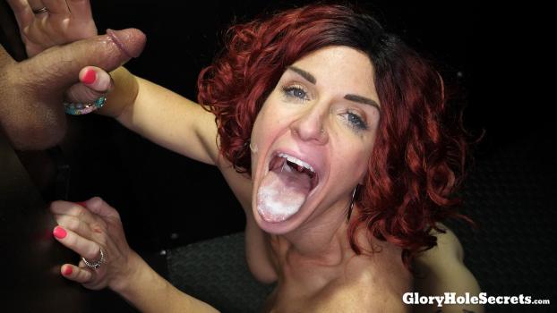 Glory Hole Secrets – Molly Pleasant: Molly P's First Gloryhole Video