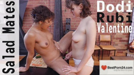 Girls Out West - Dodi & Rubi Valentine