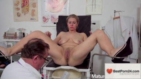 Mature Gyno Exam - Page Smith