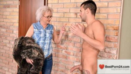 Lusty Grandmas - Elvira
