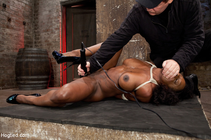 BestBDSM24.com - Image 21466 - Amazing Fitness Enthusiast Kelli Provocateur Gets Sexually Dominated
