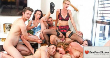 Family Screw – Stepsons Assisting With Fucking Stepmoms